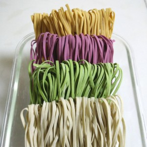 有机蔬菜干面条(Organic Dried Noodles with vege. jiuce)